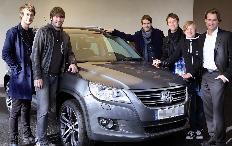 "Zum Artikel ""Revolverhelden"" fahren Volkswagen Tiguan"