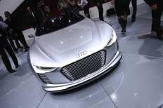 Zum Artikel Paris 2010: Audi präsentiert offenen E-tron