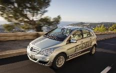 Zum Artikel Mercedes-Benz übergibt erste B-Klasse F-Cell an Kunden in Deutschland