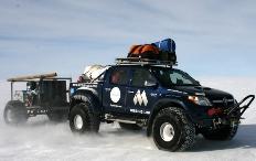 Zum Artikel Vier Toyota Hilux fuhren zum Südpol