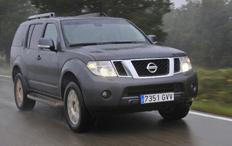 Zum Artikel Fahrbericht Nissan Pathfinder 3,0 dCi LE: Feste Größe