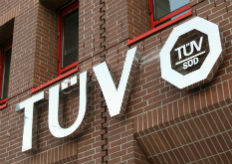 Zum Artikel TÜV Süd mahnt zu Vorsicht auf Rastplätzen