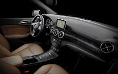 Zum Artikel Mercedes-Benz B-Klasse: Innenraum soll Messlatte höher legen