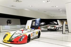 Zum Artikel Porsche präsentiert 919 Hybrid im Porsche-Museum
