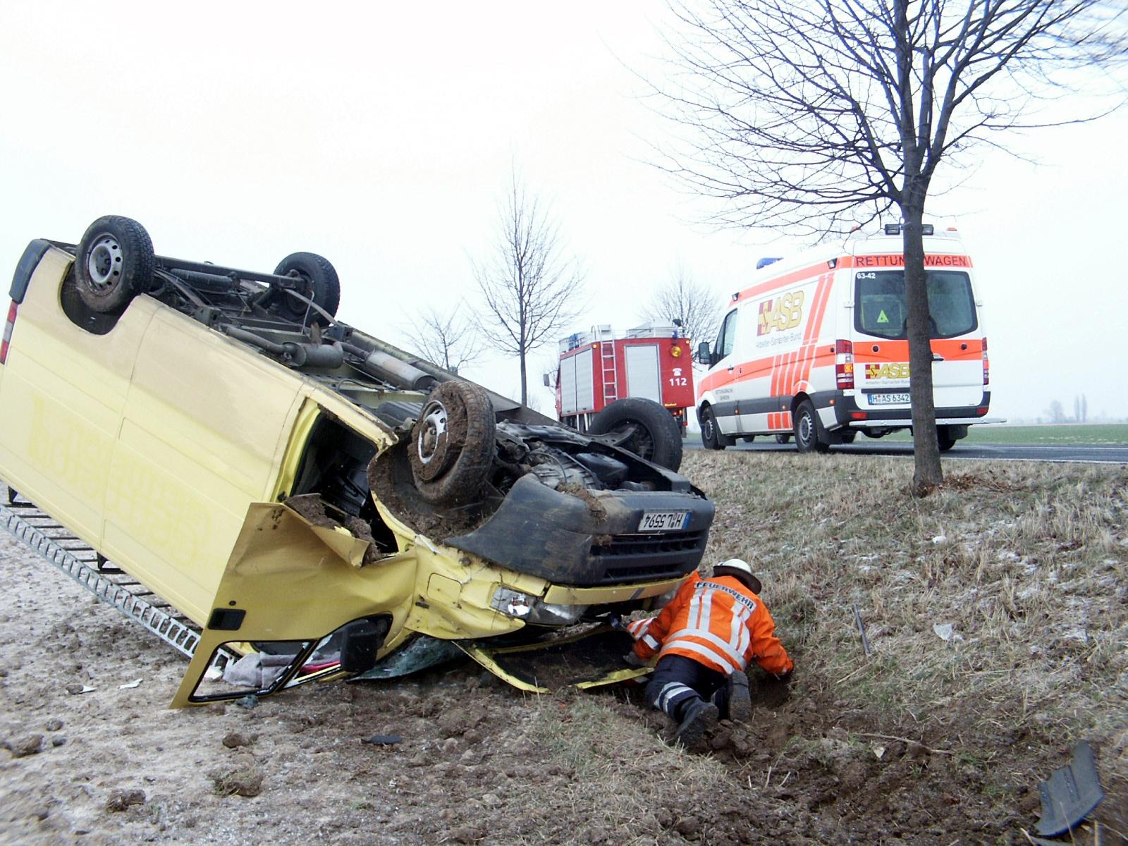 Zum Artikel Ratgeber: Richtiges Verhalten am Unfallort